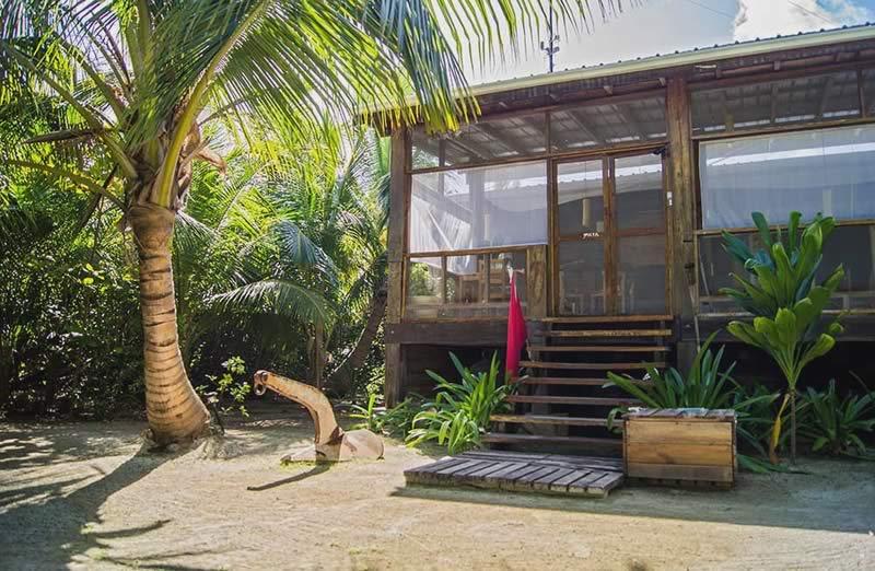 Huracan Diving Lodge