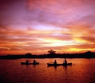 lamanai-canoeing