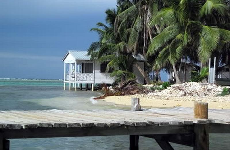 Paradise Cabins, Tobacco Caye, Belize