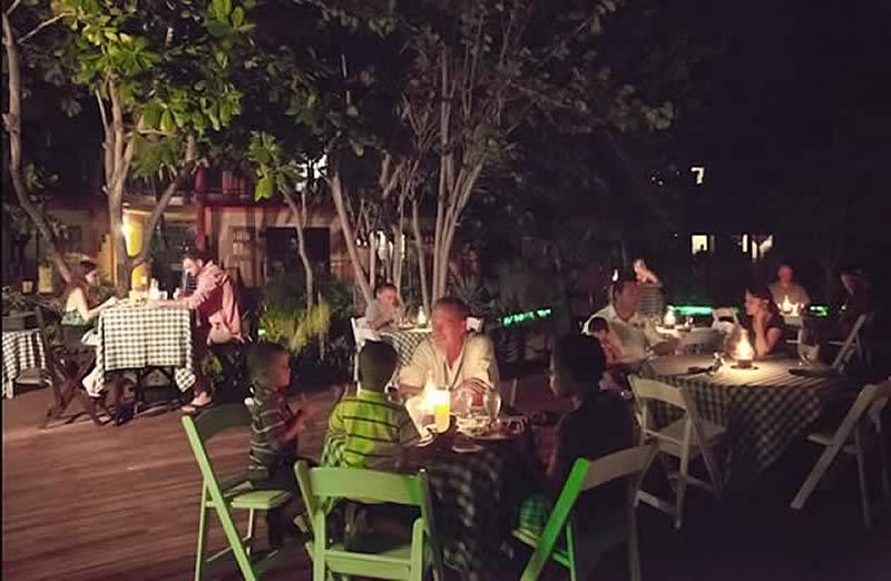 robertsgrove-dining