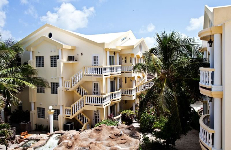 pelicanreef-buildings