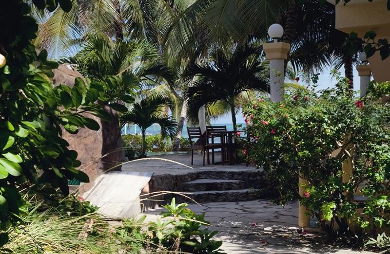 pelicanreef-garden