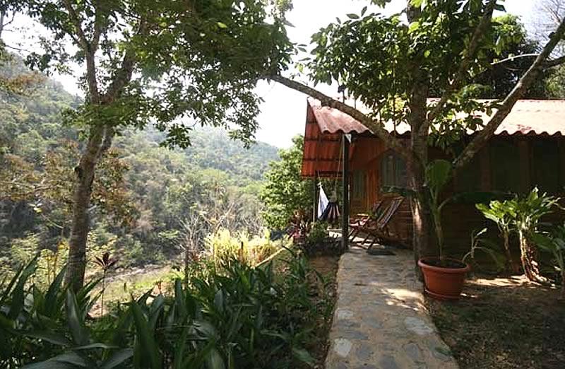 blackrock-cabin2